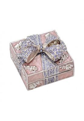 Красива кутия за бижута с панделка в пурпурен цвят
