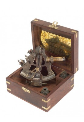 Секстант за навигация в дървена кутия