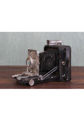 Подарък за фотограф - Статуетка ретро фотоапарат
